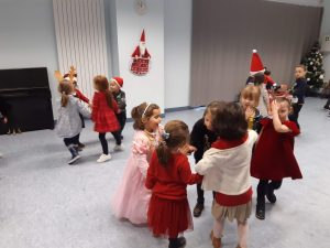 """La journée spéciale """"Noël"""" chez les moyens"""